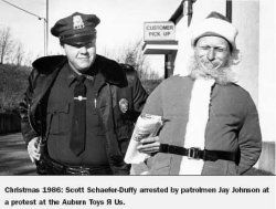 Scott Schaeffer-Duffy arrested while dressed as Santa Claus