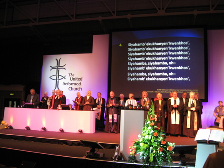 Singing Siyahamba with the former moderators at the United Reformed Church General Assembly 2007, Manchester.